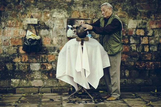 Nghề cắt tóc xưa ở Hà Nội ảnh 1
