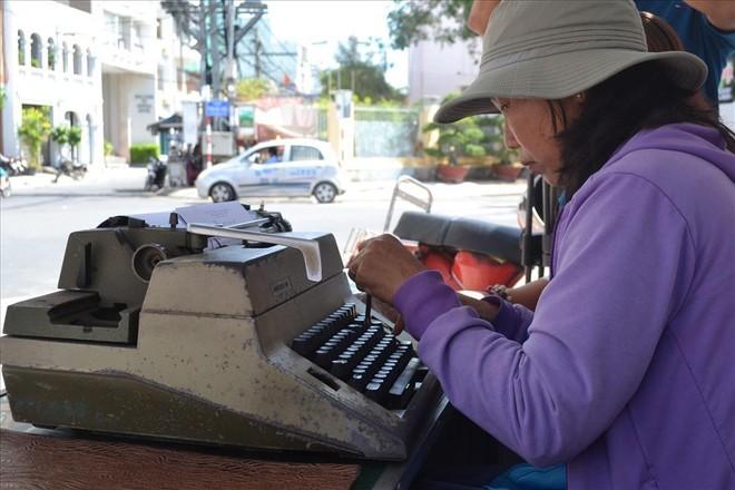 Nghề đánh máy chữ ở Hà Nội xưa ảnh 1