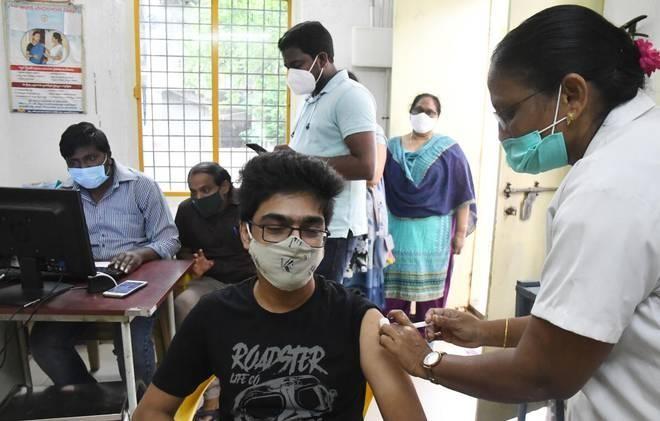 WHO kêu gọi ưu tiên tiêm vaccine phòng Covid-19 cho giáo viên ảnh 1