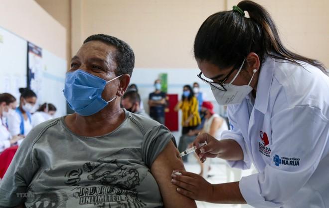 """Mở rộng độ phủ của vaccine giúp Nam Mỹ thoát """"tâm chấn"""" Covid-19 ảnh 1"""