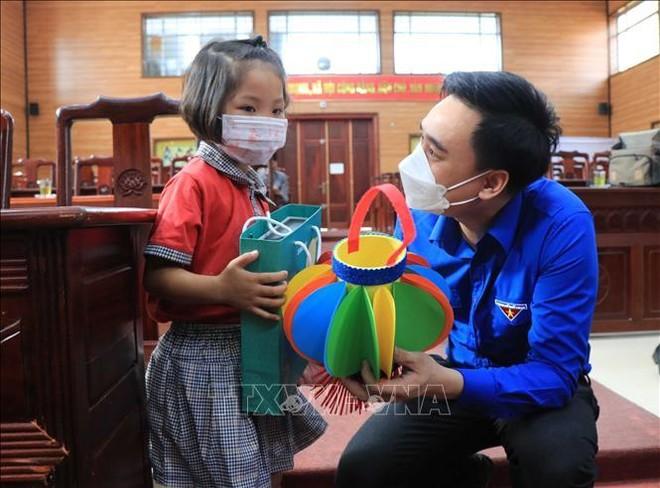 Chủ tịch nước Nguyễn Xuân Phúc gửi thư tới thiếu niên, nhi đồng cả nước nhân dịp Tết Trung thu ảnh 1