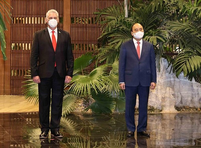 Việt Nam - Cuba hợp tác chặt chẽ vì hòa bình, ổn định và phát triển ở hai khu vực và trên thế giới ảnh 1