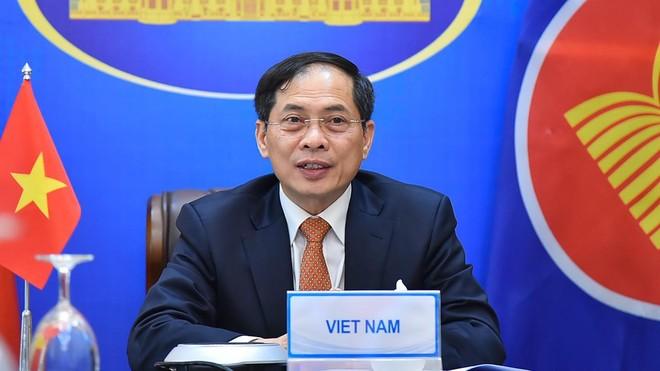 Xây dựng cho mục tiêu chung hòa bình, an ninh, ổn định, ủng hộ vai trò trung tâm của ASEAN ảnh 1