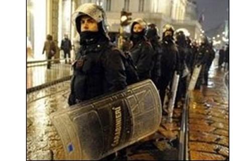 Italia đột kích 70 doanh nghiệp Trung Quốc ảnh 1
