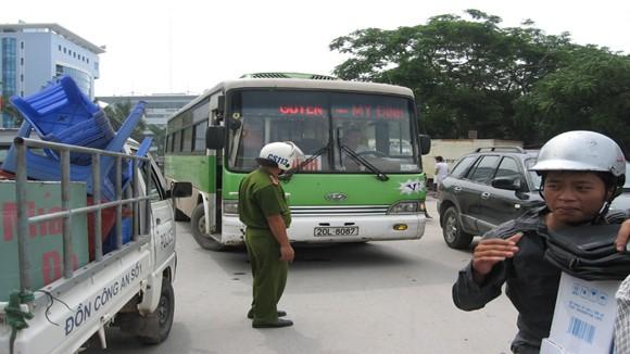 Tăng 265 đầu xe phục vụ thí sinh dự thi ảnh 1