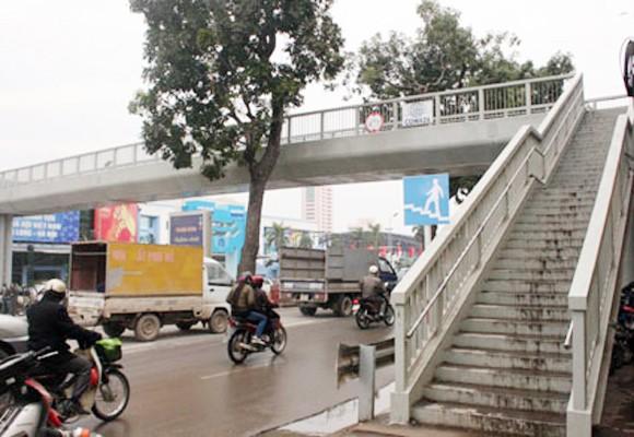 Khẩn trương đưa các cầu bộ hành vào sử dụng ảnh 1