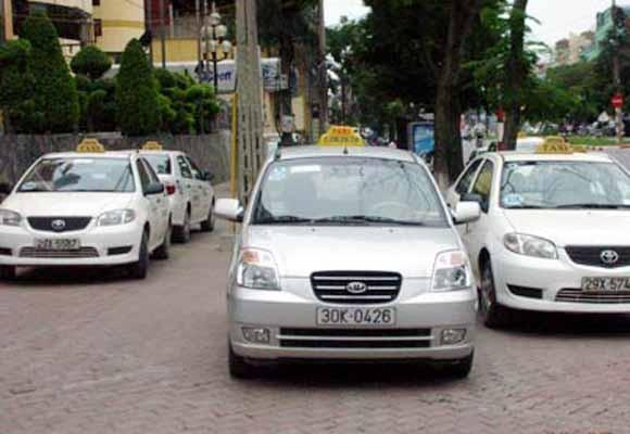 Hãng taxi thứ 3 ở Hà Nội bị đình chỉ hoạt động ảnh 1