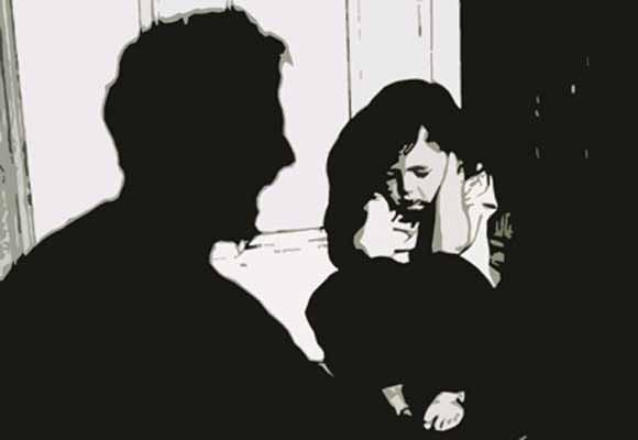 Gần 900 trẻ bị xâm phạm tình dục trong một năm ảnh 1