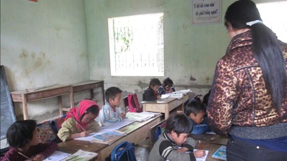 Cô giáo Sủng Là: Yêu thương trong nghèo khó ảnh 3
