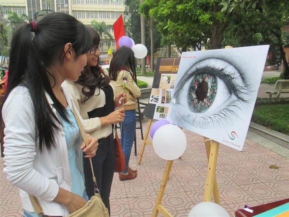 Triển lãm độc đáo nhân ngày Nhà giáo Việt Nam 20-11 ảnh 3
