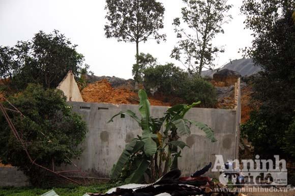 """Sức mạnh của """"sóng thần"""" núi thải đất đá ảnh 13"""