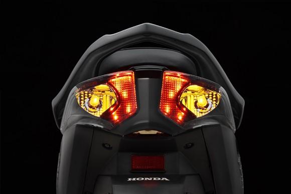 Honda Việt Nam tung ra thị trường phiên bản Future cải tiến ảnh 2