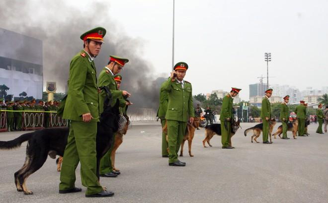 Công an TP Hà Nội diễn tập chống bạo loạn, khủng bố và giải cứu con tin ảnh 7