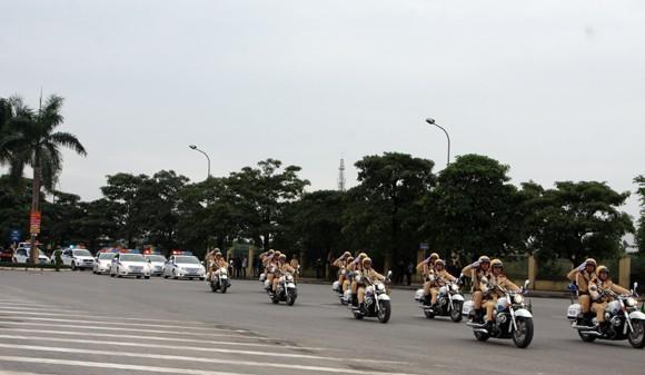Công an TP Hà Nội diễn tập chống bạo loạn, khủng bố và giải cứu con tin ảnh 3