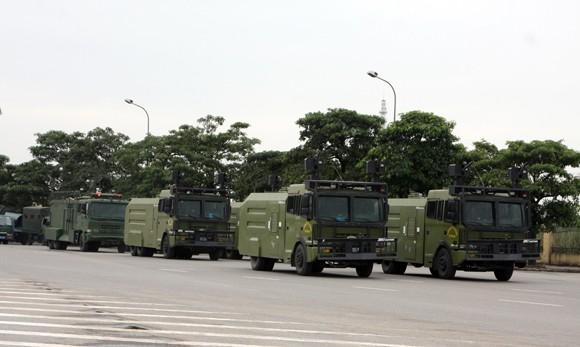 Công an TP Hà Nội diễn tập chống bạo loạn, khủng bố và giải cứu con tin ảnh 5