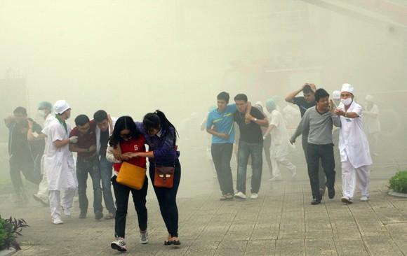 Công an TP Hà Nội diễn tập chống bạo loạn, khủng bố và giải cứu con tin ảnh 12