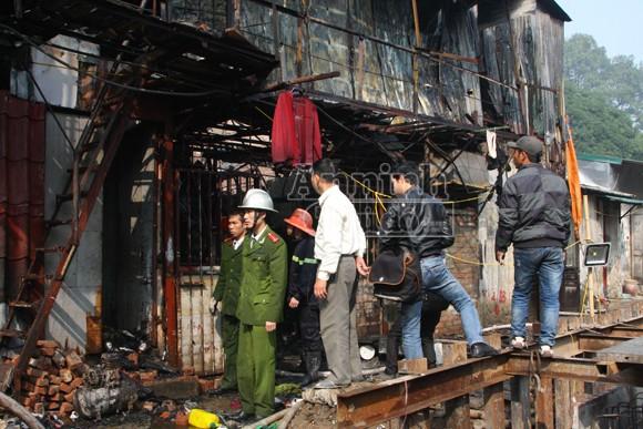 Cháy khu nhà trọ cạnh nhà khách La Thành ảnh 3