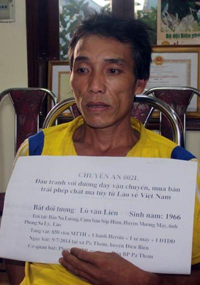 Bắt đối tượng nước ngoài vận chuyển trái phép ma túy vào Việt Nam ảnh 1