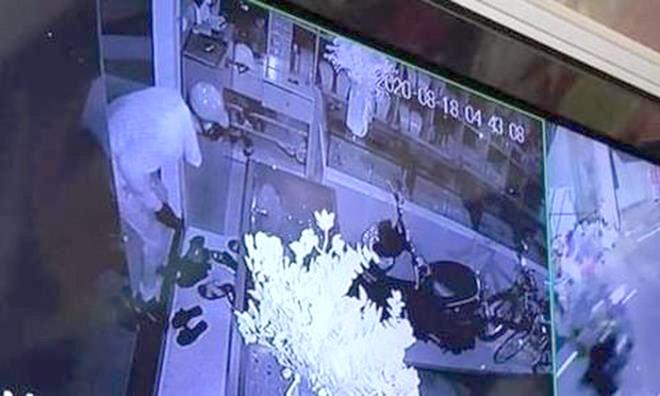 Đang điều tra vụ trộm 350 cây vàng xảy ra tại thị xã Sơn Tây ảnh 1
