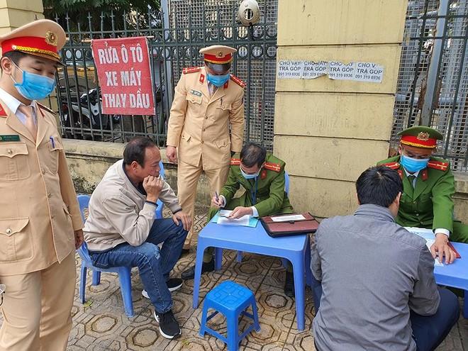 Công an quận Ba Đình: 'Nắn' ý thức của dân nhậu ảnh 4