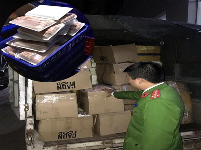 Hà Nội: Phát hiện số lượng lớn hàng thực phẩm nhập lậu ảnh 1