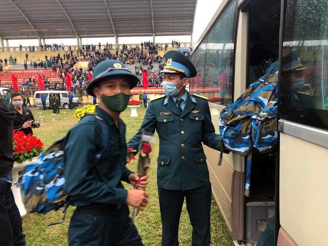 Thị xã Sơn Tây, Hà Nội tổ chức Lễ giao nhận quân năm 2021 ảnh 8
