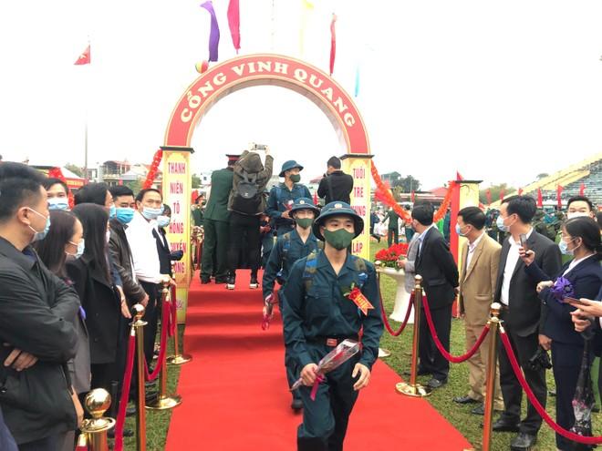 Thị xã Sơn Tây, Hà Nội tổ chức Lễ giao nhận quân năm 2021 ảnh 5