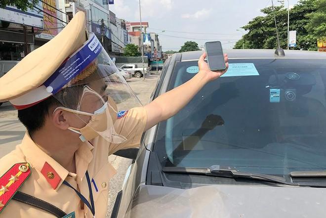 Hà Nội: Xử lý lái xe đi sai lộ trình trong thời gian giãn cách xã hội ảnh 4