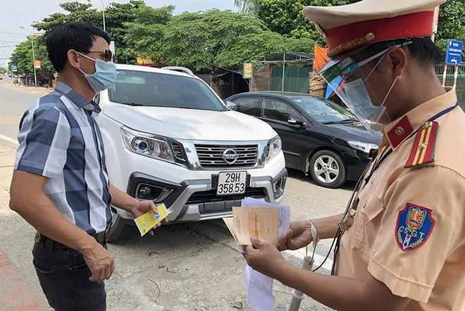 Hà Nội: Xử lý lái xe đi sai lộ trình trong thời gian giãn cách xã hội ảnh 2