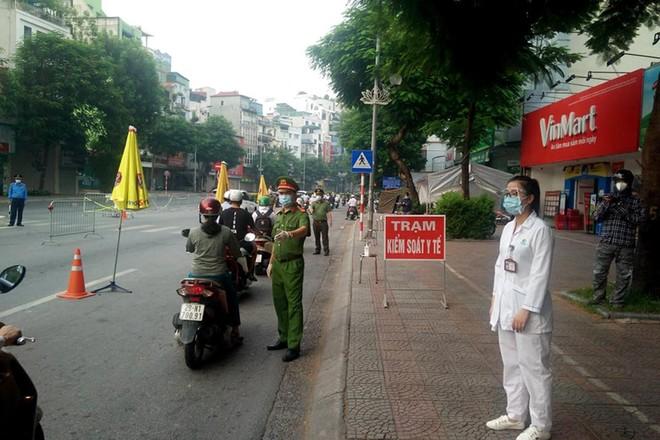 Hà Nội: Ngày đầu tuần các trục đường chính, chốt kiểm dịch ra vào nội đô thông thoáng ảnh 2