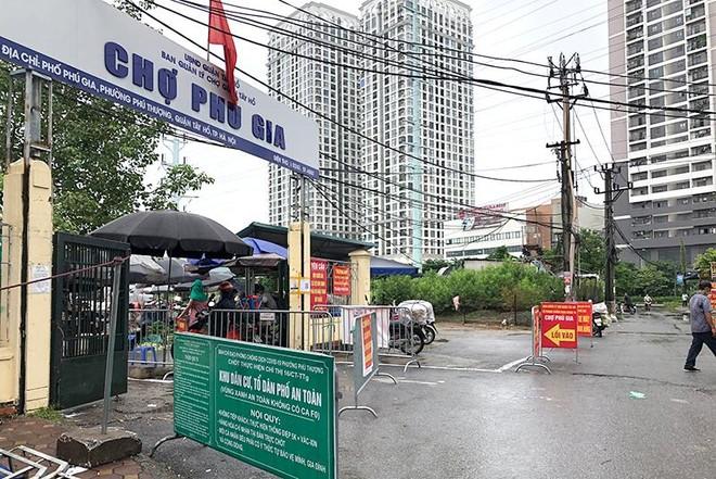 Cửa hàng kinh doanh ăn uống tại Hà Nội: Đa phần tuân thủ phòng dịch, có nơi cố tình vi phạm ảnh 5