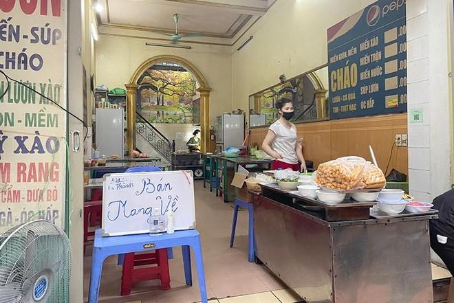 Cửa hàng kinh doanh ăn uống tại Hà Nội: Đa phần tuân thủ phòng dịch, có nơi cố tình vi phạm ảnh 7
