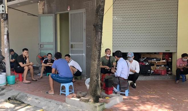 Công tác phòng, chống dịch Covid-19 tại chợ dân sinh: Nơi thì quản chặt, nơi lại thờ ơ ảnh 4
