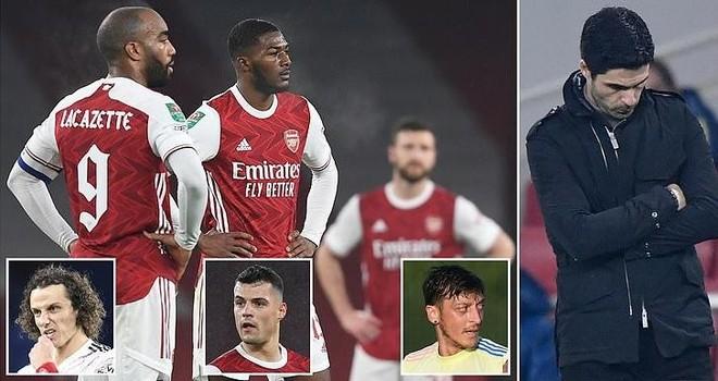 """Thua liểng xiểng, Arsenal bị ví như những """"gã hề"""" ảnh 1"""