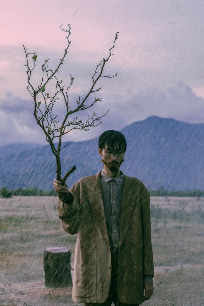 """Đen Vâu hóa thân thành """"cây si"""" trong bản rap triệu view """"Trốn tìm"""" ảnh 2"""
