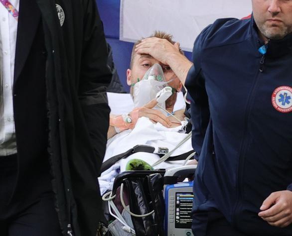 Eriksen qua cơn nguy kịch sau khi đột quỵ ngay trên sân ảnh 4