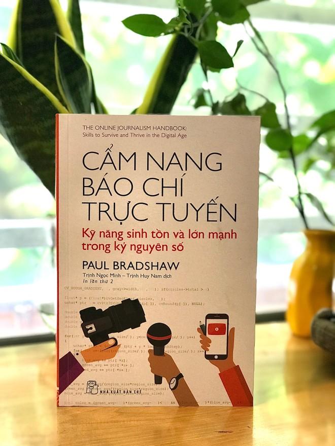 Ra mắt hai cuốn sách về nghề báo và truyền thông hiện đại ảnh 3
