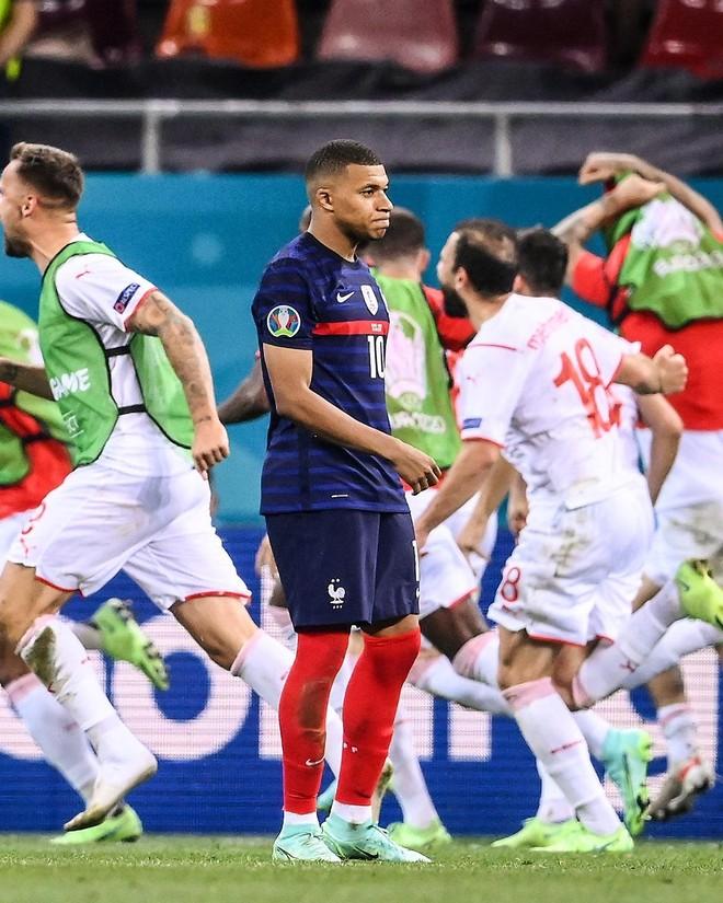 Nhà vô địch thế giới Pháp bị loại khó tin bởi Thụy Sĩ ảnh 4
