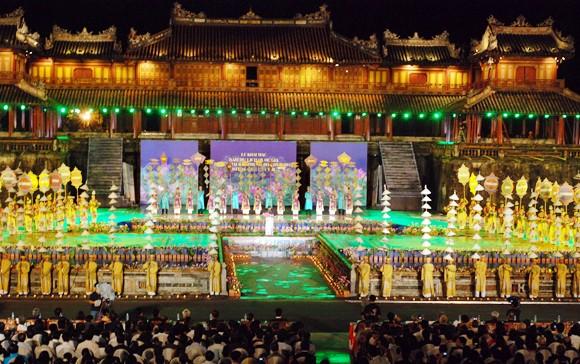 Nhìn lại 9 ngày sôi nổi của Festival Huế 2012 ảnh 1
