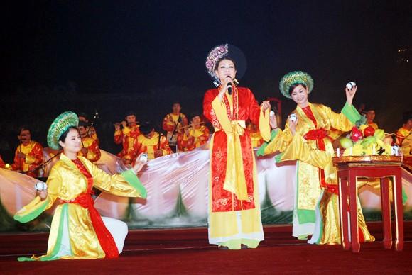 Nhìn lại 9 ngày sôi nổi của Festival Huế 2012 ảnh 4