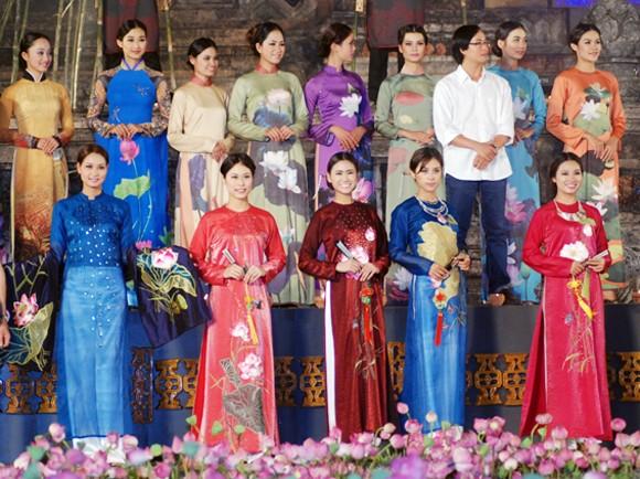 Nhìn lại 9 ngày sôi nổi của Festival Huế 2012 ảnh 9