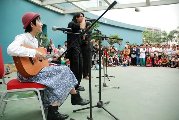 Nhìn lại 9 ngày sôi nổi của Festival Huế 2012 ảnh 15