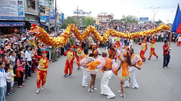 Nhìn lại 9 ngày sôi nổi của Festival Huế 2012 ảnh 10
