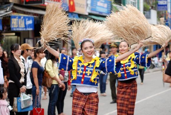Nhìn lại 9 ngày sôi nổi của Festival Huế 2012 ảnh 11