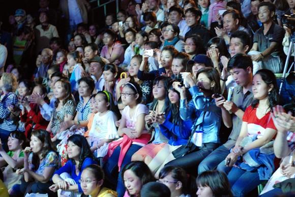 Nhìn lại 9 ngày sôi nổi của Festival Huế 2012 ảnh 3