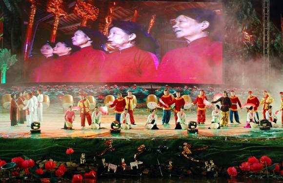 Tôn vinh văn hóa các dân tộc Việt Nam ảnh 1