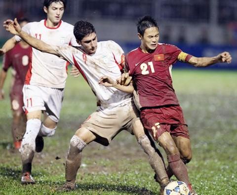 Một tuyển thủ Việt Nam bị tai nạn hy hữu, phải đi cấp cứu ảnh 1