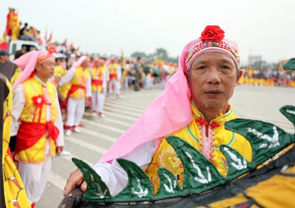 Mãn nhãn với Lễ hội múa rồng Hà Nội 2012 ảnh 20