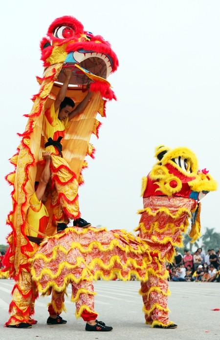 Mãn nhãn với Lễ hội múa rồng Hà Nội 2012 ảnh 9