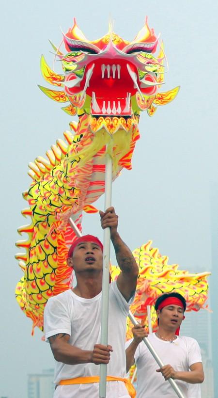 Mãn nhãn với Lễ hội múa rồng Hà Nội 2012 ảnh 15